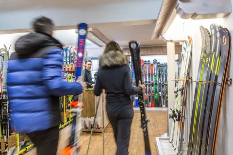 Ski Shop Courchevel 1850 - Bernard Charvin Sports